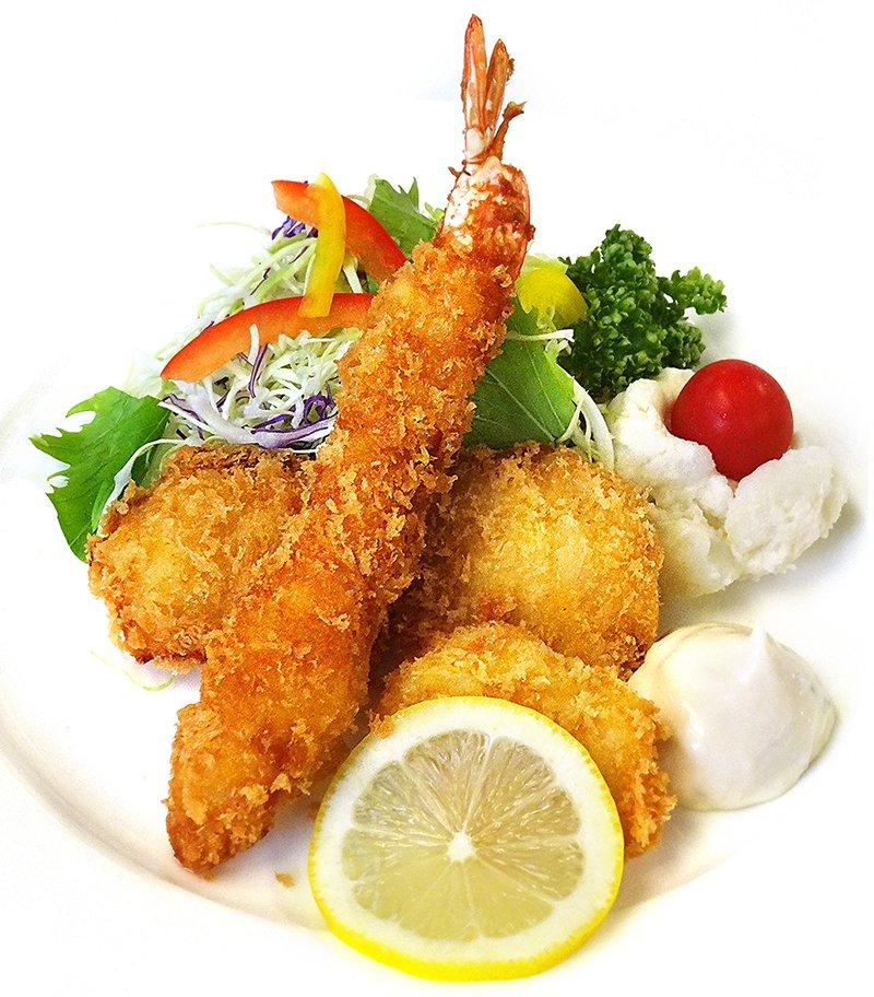 画像:ミックスフライ(海老・イカ・白身魚)ライスまたはパン付