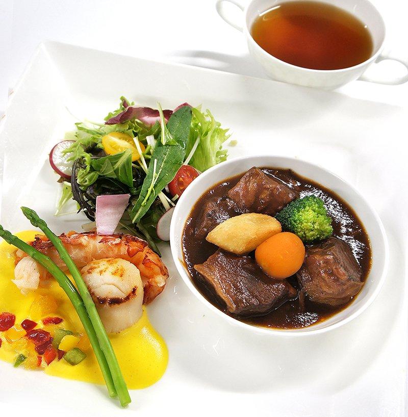 上野精養軒 東京文化会館2F<br />レストラン フォレスティーユ&café HIBIKI 今月のメニュー