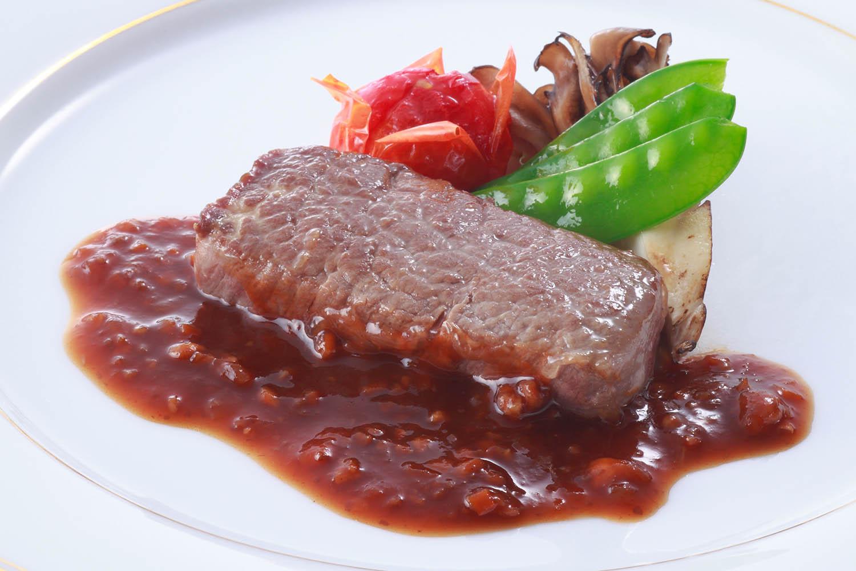 牛フィレ肉ステーキ ブルジョワ風