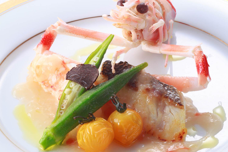 スズキとラングスティーヌのポワレ トリュフ飾り 白バルサミコ酢ソース ¥4,320